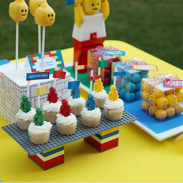 lego_party_toy_birthday_blocks_decorations_cupcakes_dessert_table.jpg