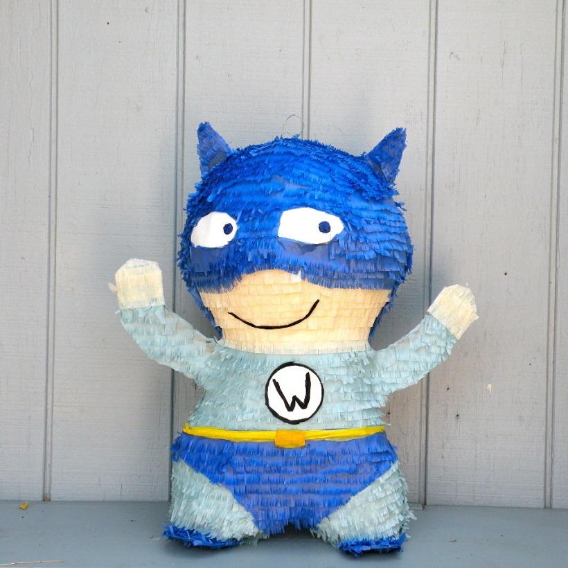 pinata_superhero